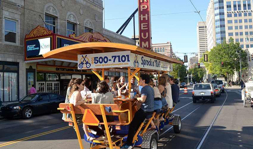 Your Ultimate Guide To A Memphis Pub Crawl | Sprock n' Roll